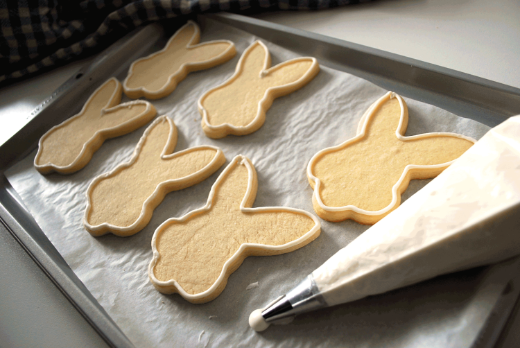 kitchen-whiskers-easter-cookies-icing