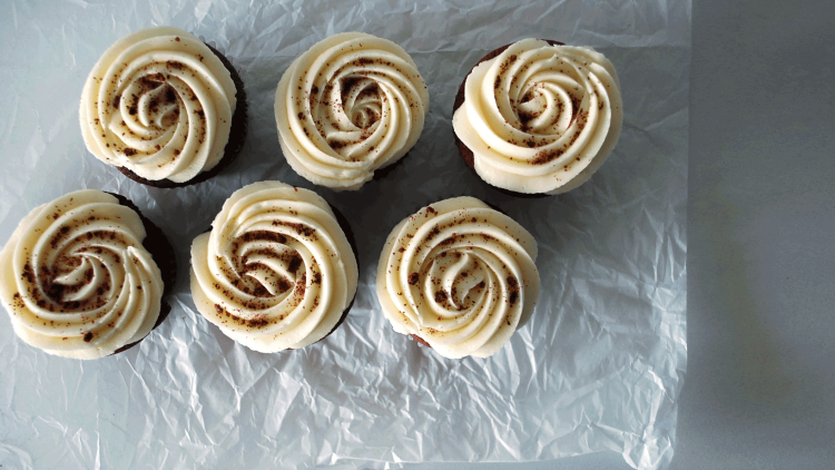 kitchen-whiskers-red-velvet-cupcakes-swirl