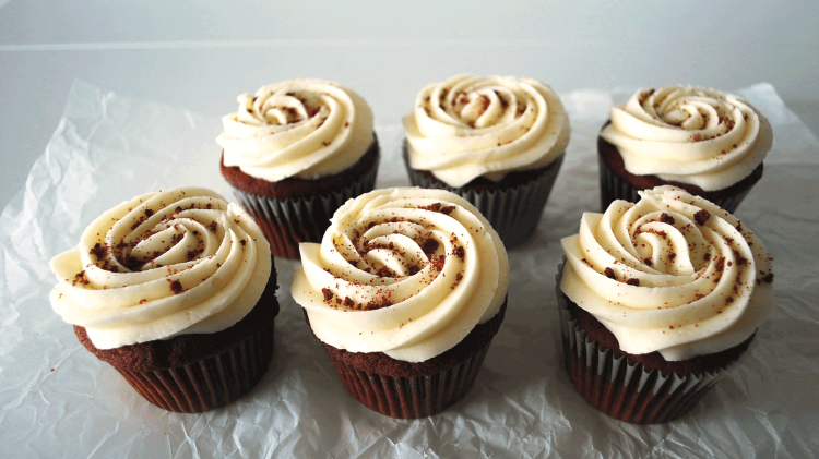 kitchen-whiskers-red-velvet-cupcakes